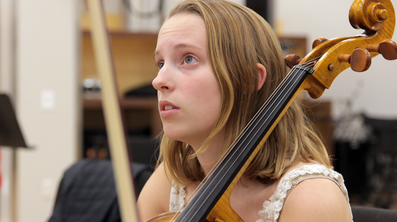 caitlin-thomas-cello