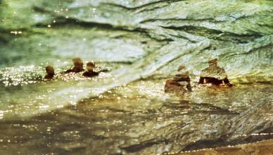 21, Sea Bathers (03-05), Barbuda